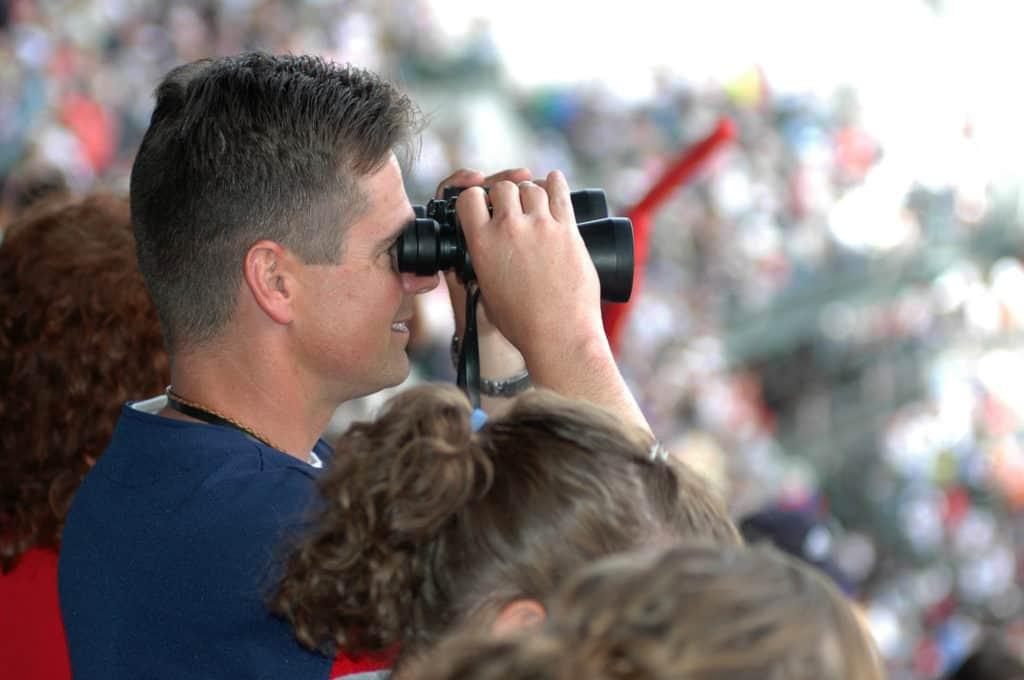 Best Binoculars for Spectator Sports